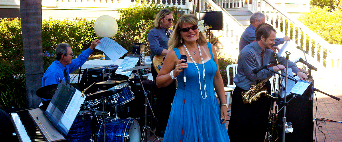 The Ventura Jazz Sextet plays a wedding reception in Heritage Square, Oxnard, CA